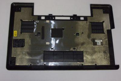 Dell E5540 põhjaplastik koos kummijalgadega-0