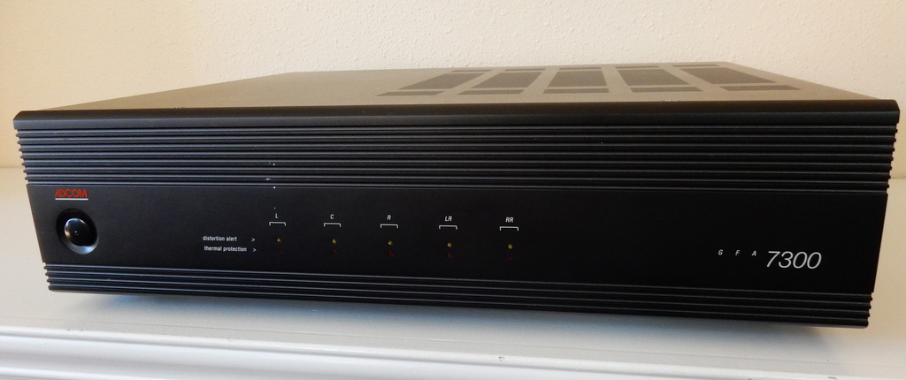 5 kanaliga võimendi Adcom BFA 7300-0